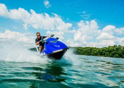 Diviértete-conduciendo-un-Waverunner-en-Cancún